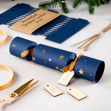 Gold Foiled Stars Pattern Christmas Crackers with Wooden Name Tag