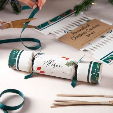 Holly & Berries Print on White Christmas Crackers
